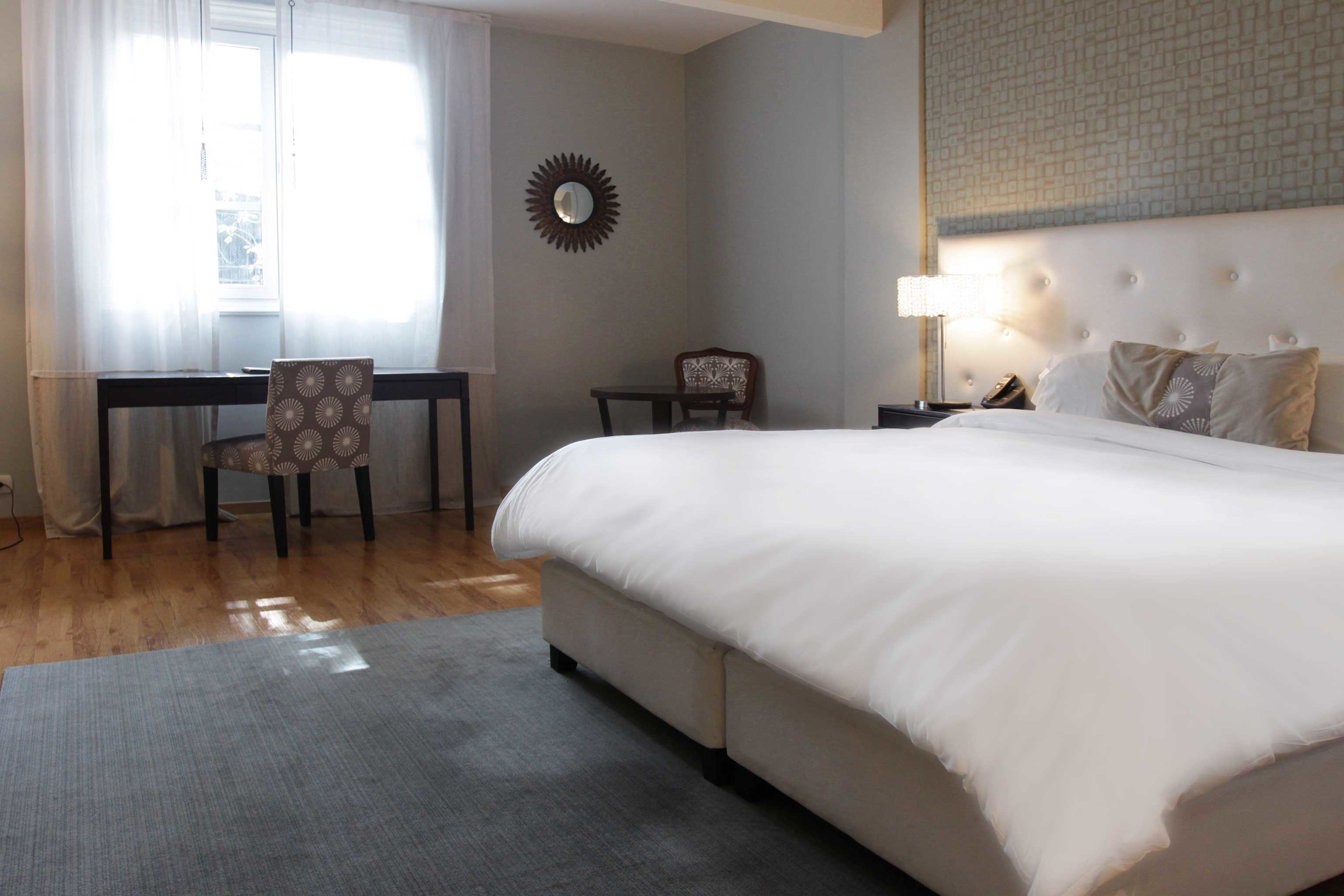 Bedroom City Classic property scene Suite white cottage bed frame Villa bed sheet