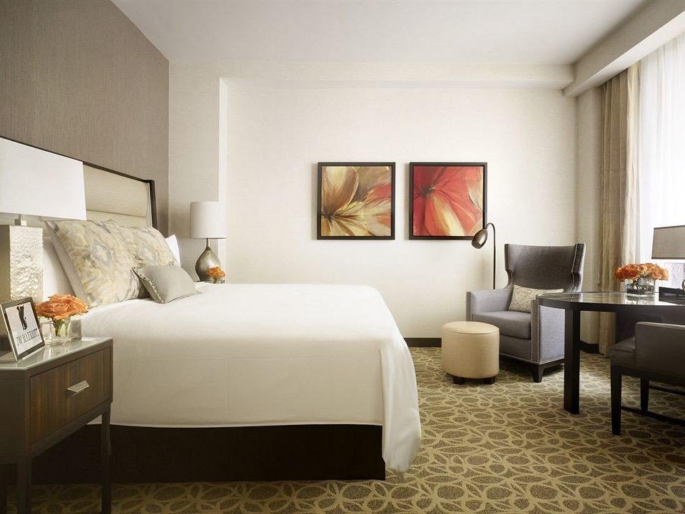 Bedroom City Classic living room property Suite home condominium