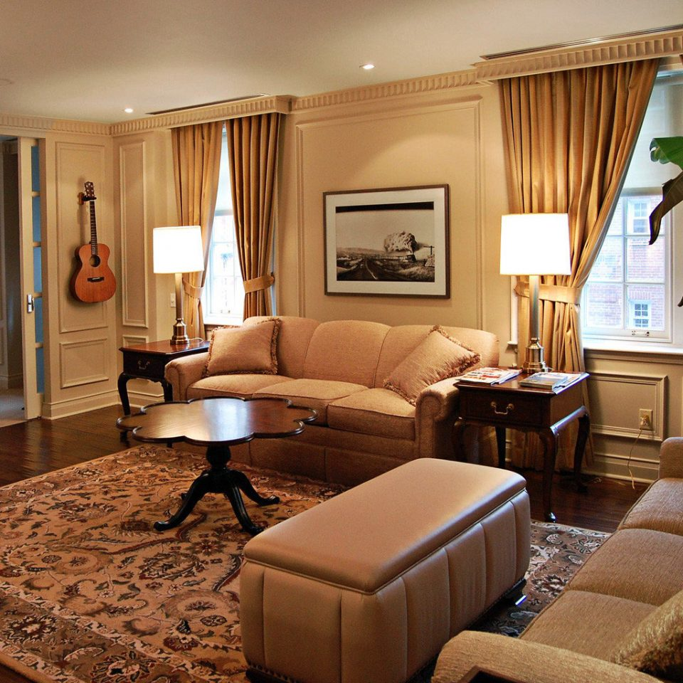 Bedroom City Classic Suite sofa property living room home hardwood condominium cottage
