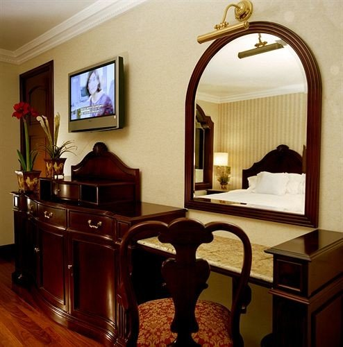 Bedroom City Classic property home hardwood living room Suite cottage cabinetry mansion