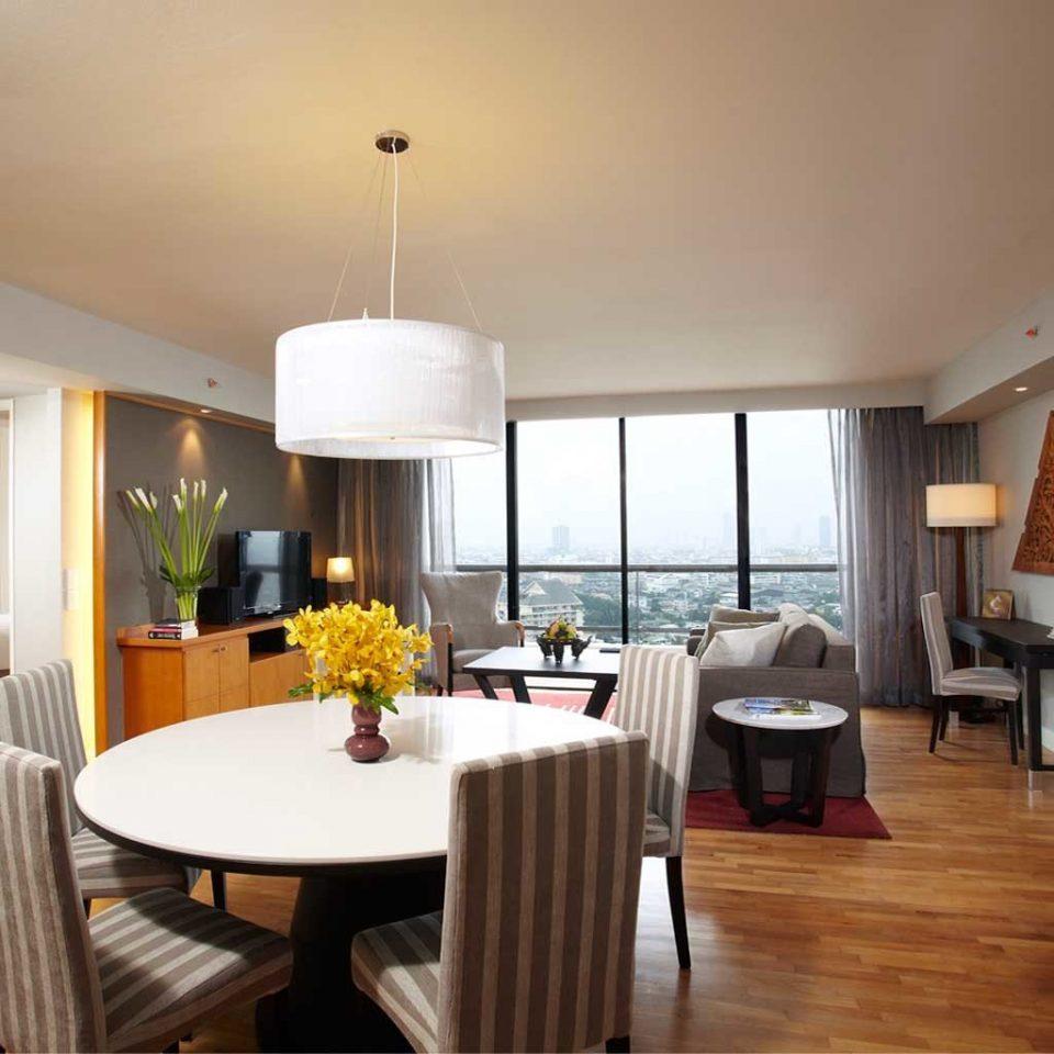 City Dining Resort Suite Tropical property home condominium living room hardwood Villa cottage nice farmhouse Bedroom flat