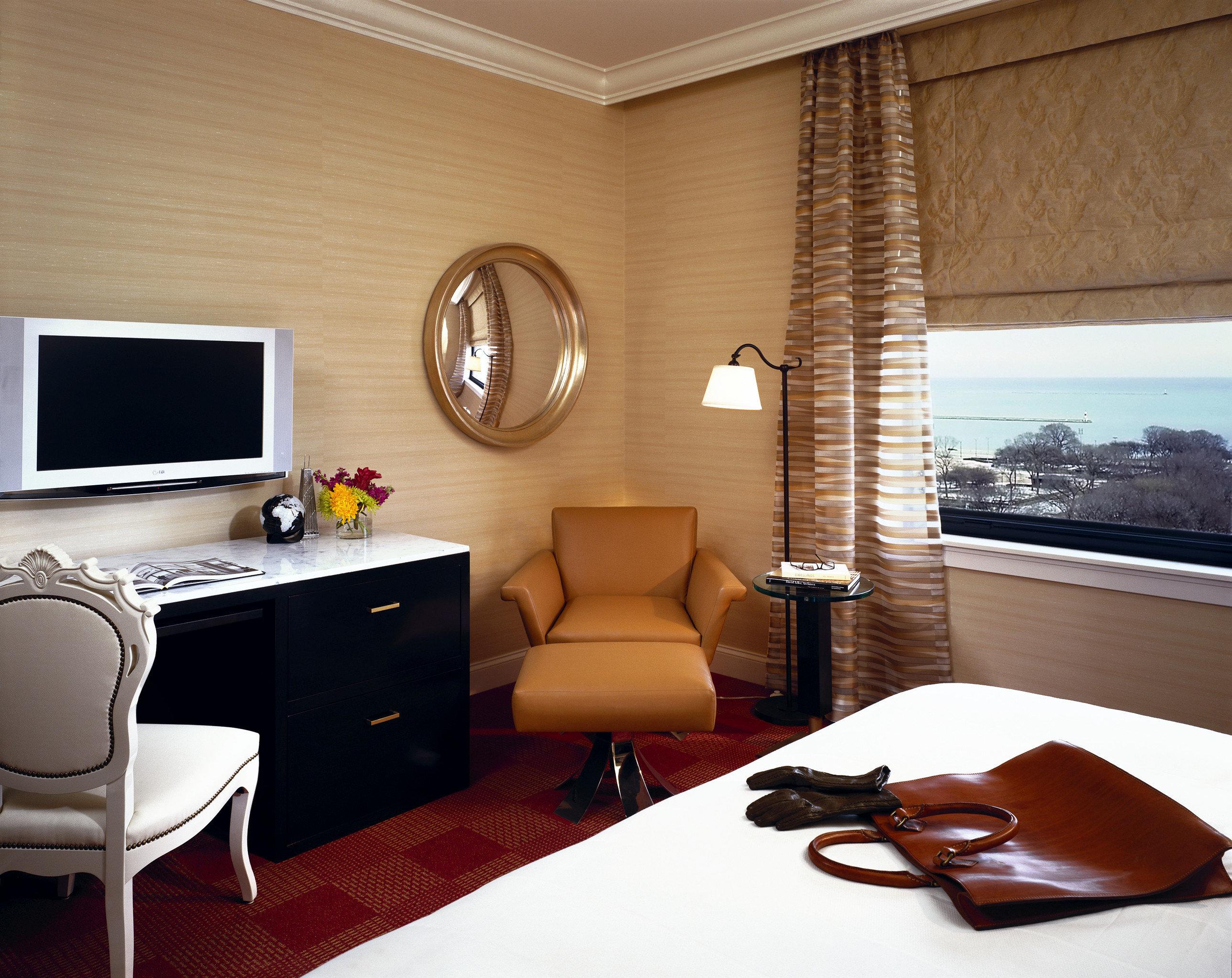 Bedroom City Elegant Hip Luxury Modern Scenic views Suite property living room home cottage condominium