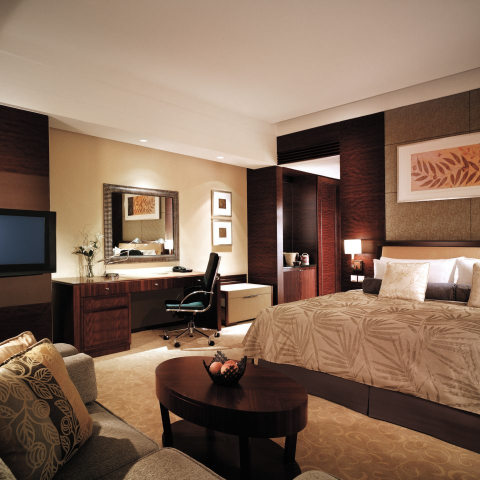 Bedroom City Elegant Hip Luxury Modern Scenic views Suite sofa property living room home condominium flat