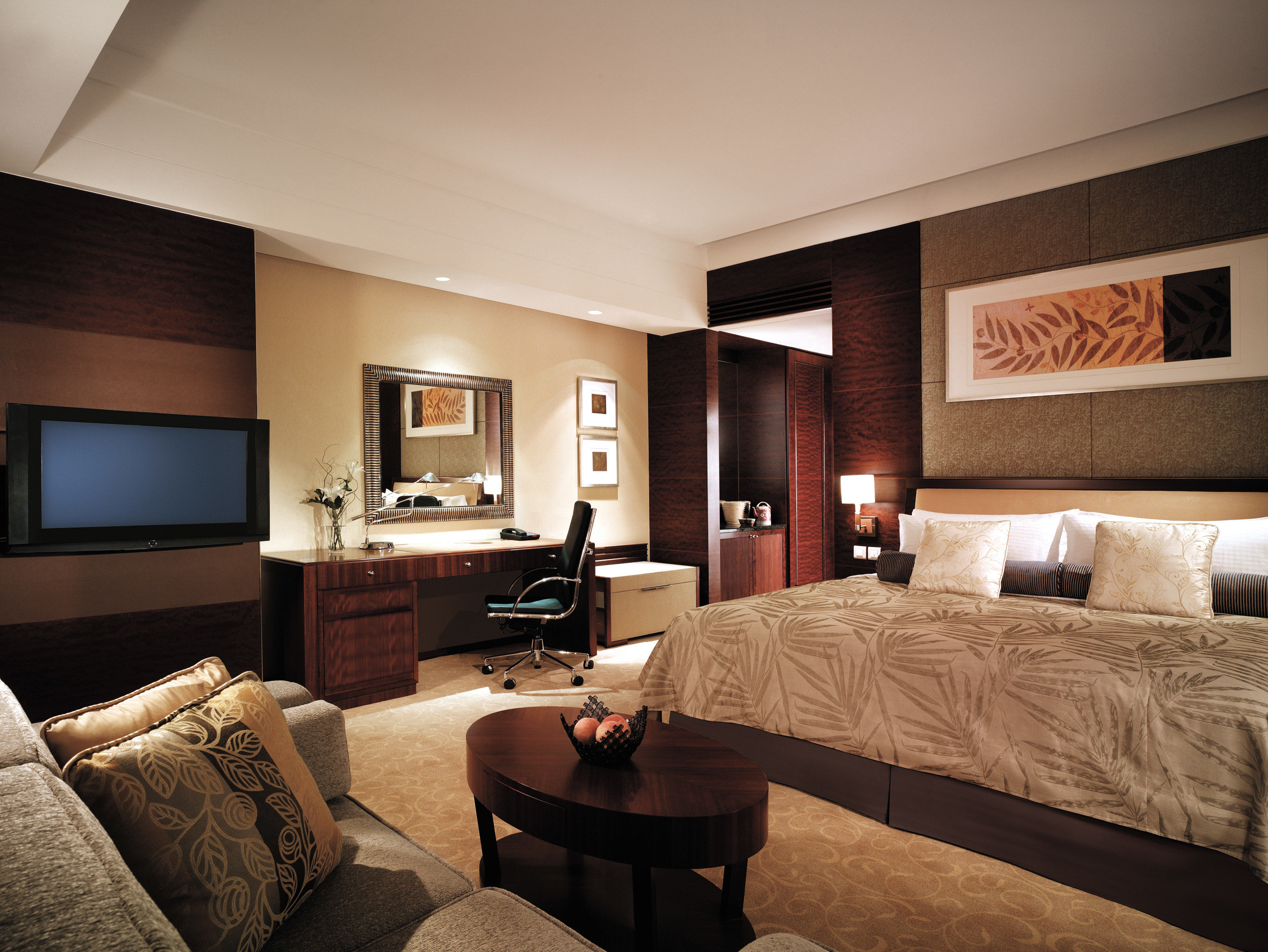 Bedroom City Elegant Hip Luxury Modern Scenic views Suite sofa property living room home condominium flat