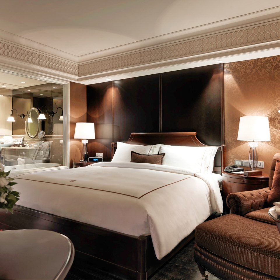 Bedroom City Elegant Hotels Nightlife Scenic views Shop property Suite living room home