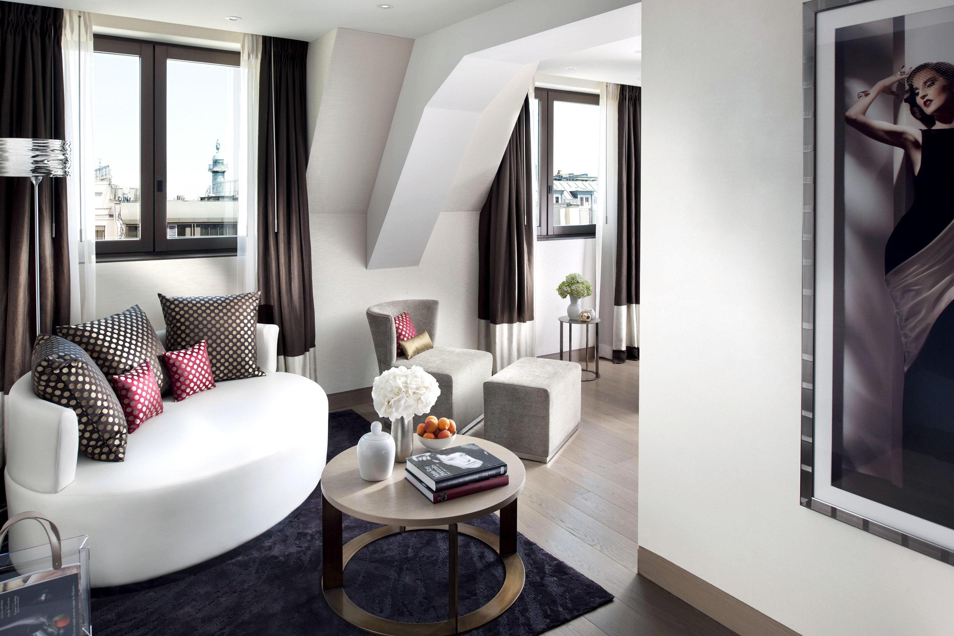 Bedroom City Elegant Luxury Modern Suite property living room home condominium