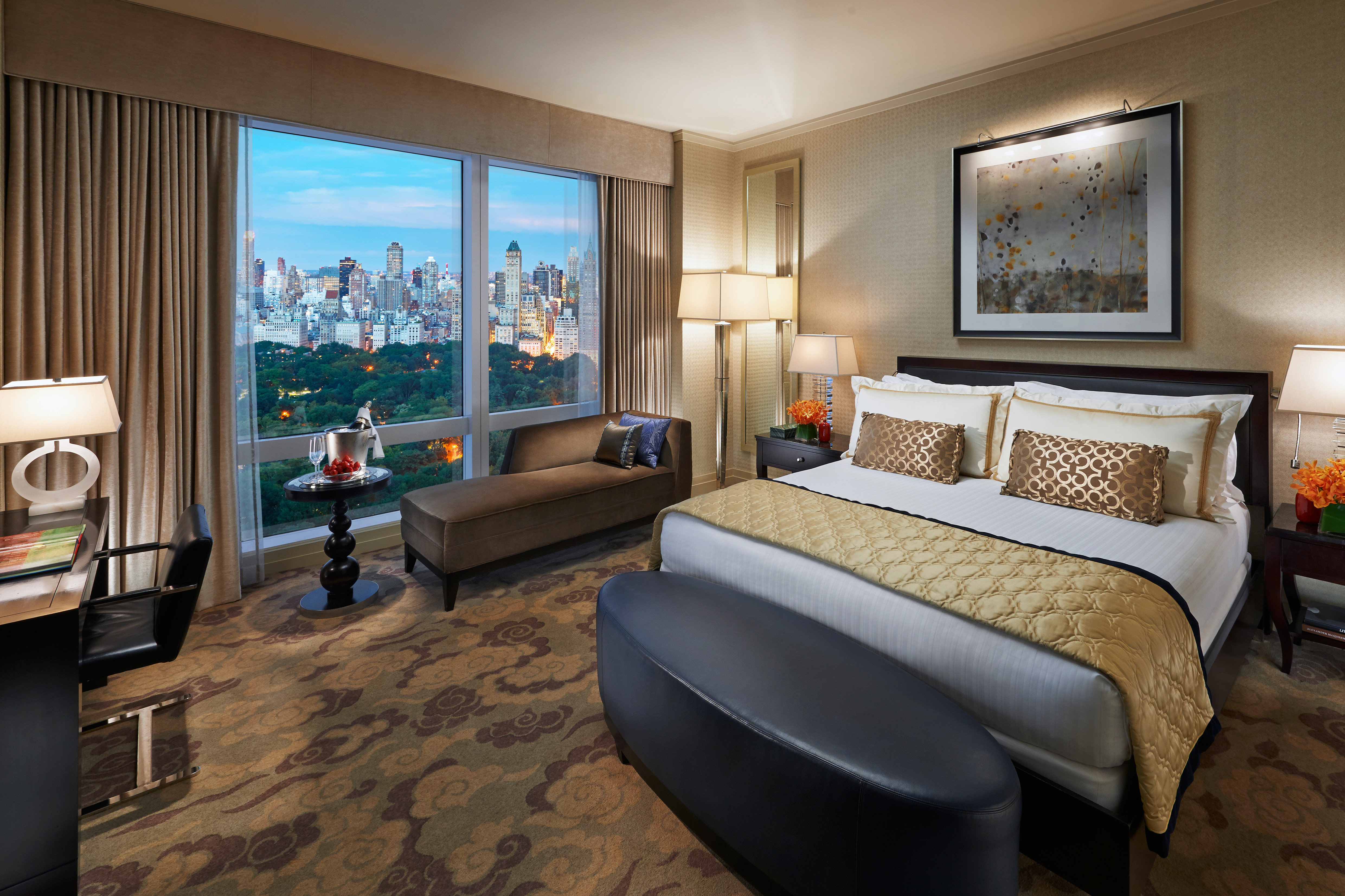 Bedroom City Elegant Luxury property Suite condominium living room home cottage