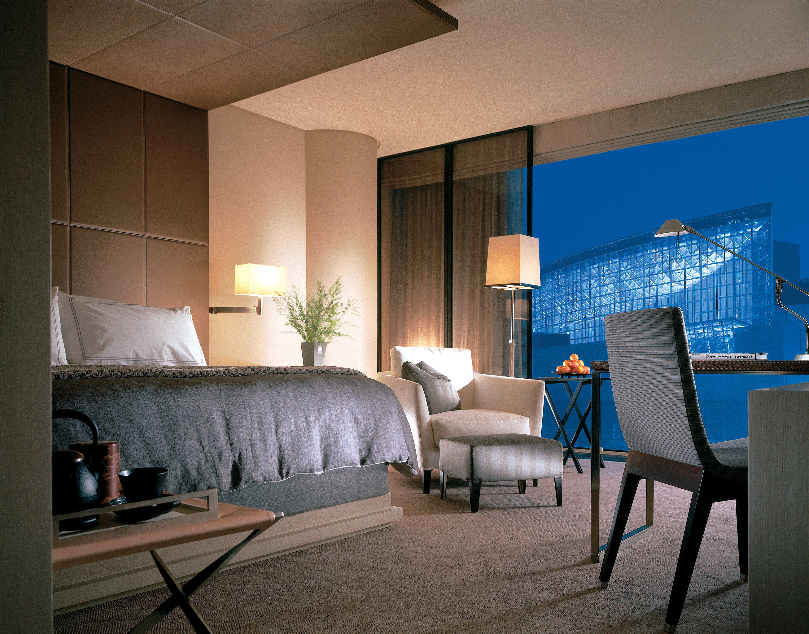 Bedroom City Elegant Luxury Modern Scenic views chair property house living room home Suite