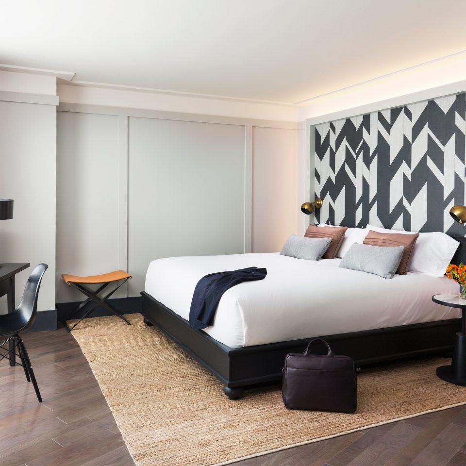 Bedroom City Hip Hotels Modern property living room home Suite laminate flooring flat