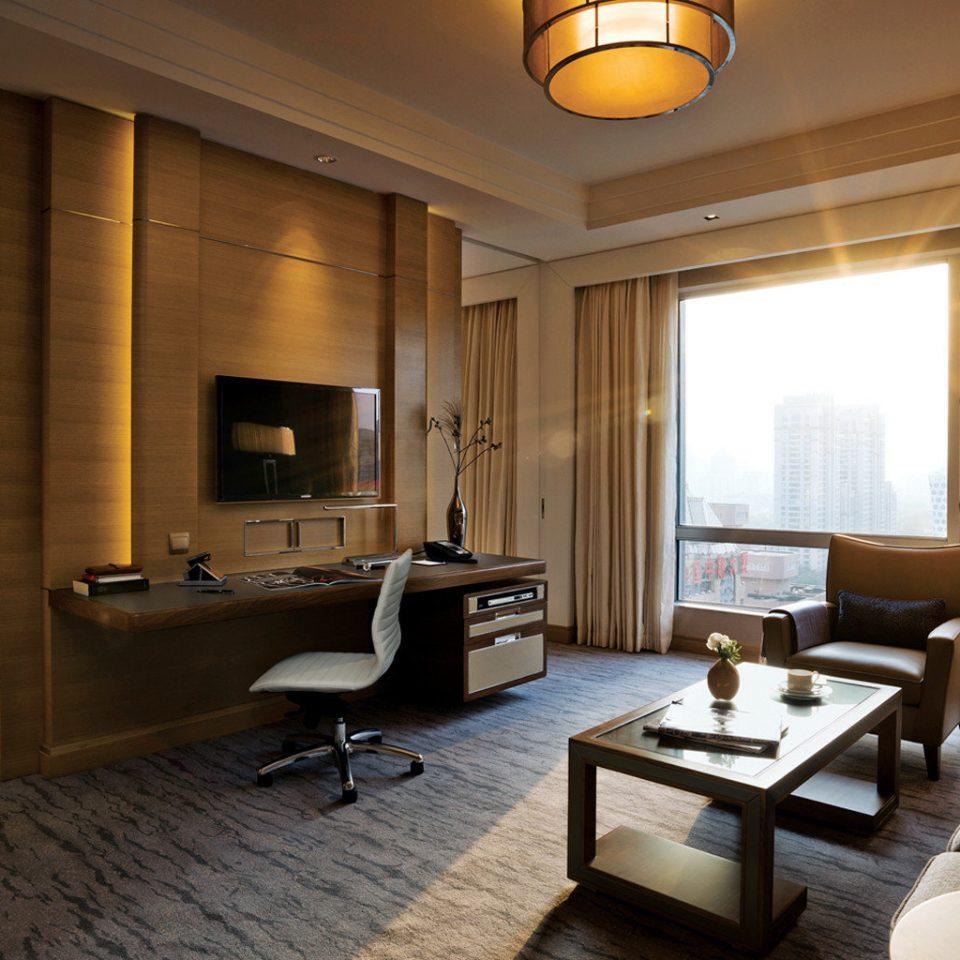 Bedroom City Hip Lounge Luxury Modern Scenic views Suite living room property condominium home hardwood Villa
