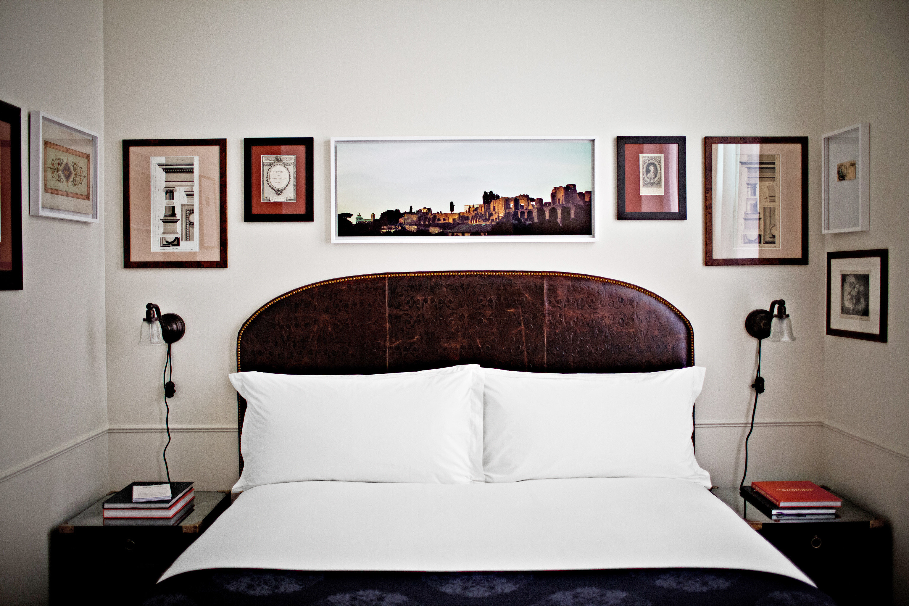 Bedroom City Hip Luxury property scene home living room pillow