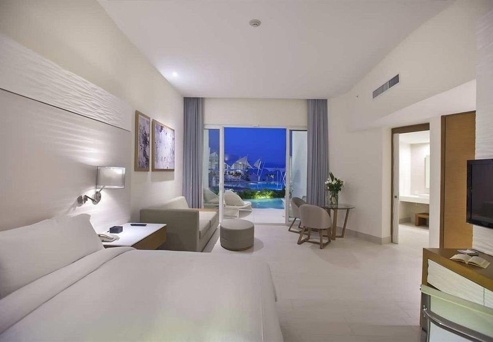 Bedroom City Hip Luxury Modern Scenic views Suite property condominium living room home Villa