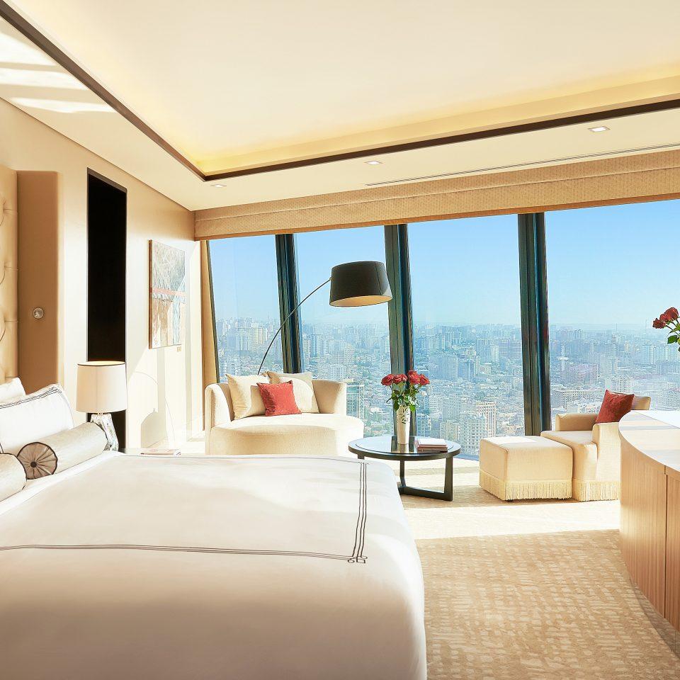 Bedroom City Hip Luxury Modern Scenic views Suite sofa property home Resort Villa swimming pool cottage overlooking flat