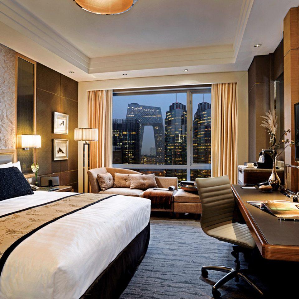 Bedroom City Hip Luxury Scenic views Suite sofa property living room home condominium mansion