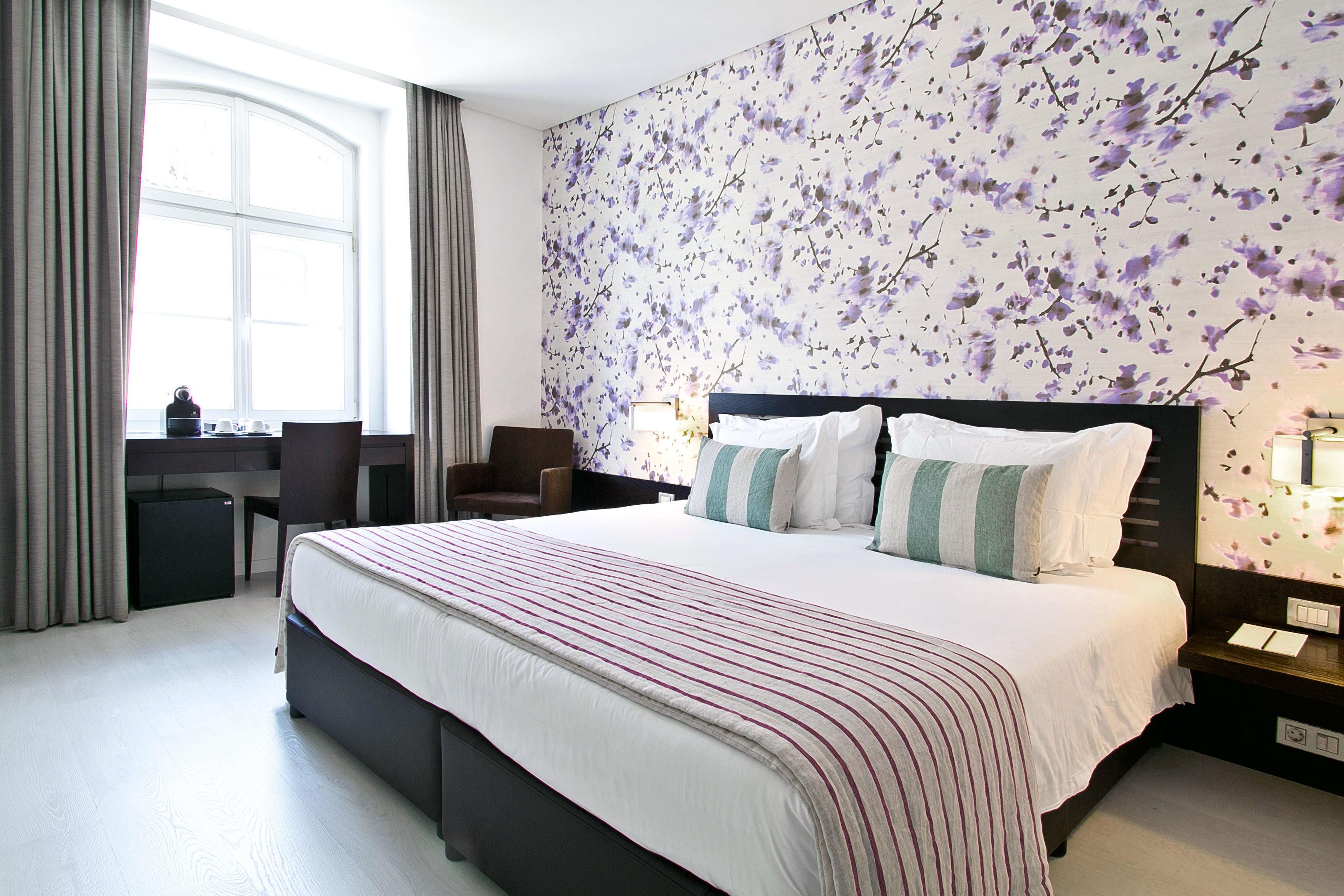 Bedroom City Hip Modern property Suite bed sheet pillow cottage