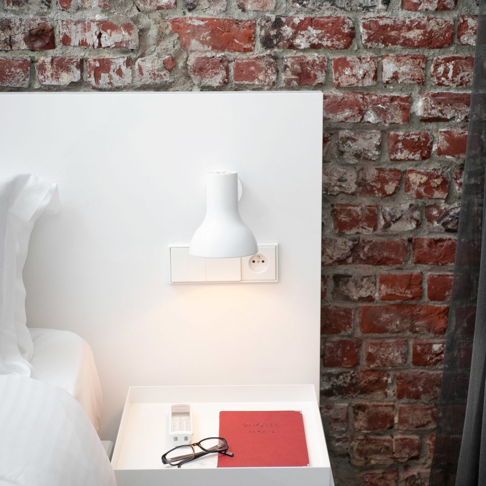 Bedroom City Hip Modern white red flooring living room cottage wallpaper
