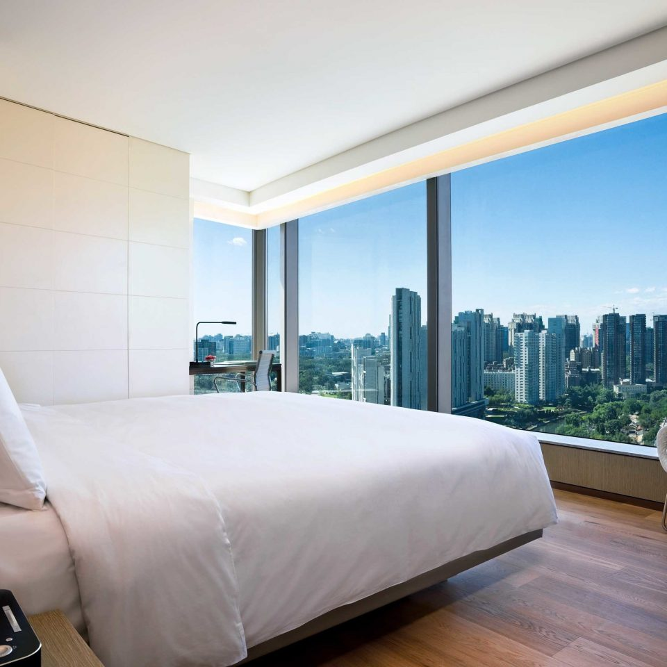 Bedroom City Hip Modern Scenic views Suite sofa property condominium home living room overlooking