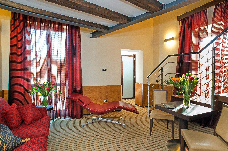 Bedroom City Historic property condominium living room Suite home cottage Villa Resort