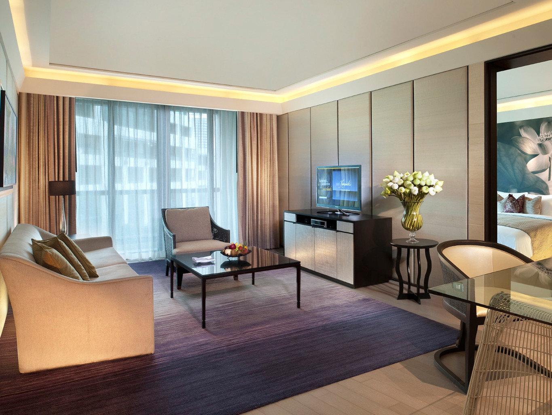 City Hotels Modern Resort Suite chair property condominium living room hardwood home Villa wood flooring Bedroom dining table