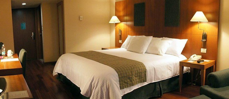 Bedroom City Suite cottage Resort Inn lamp