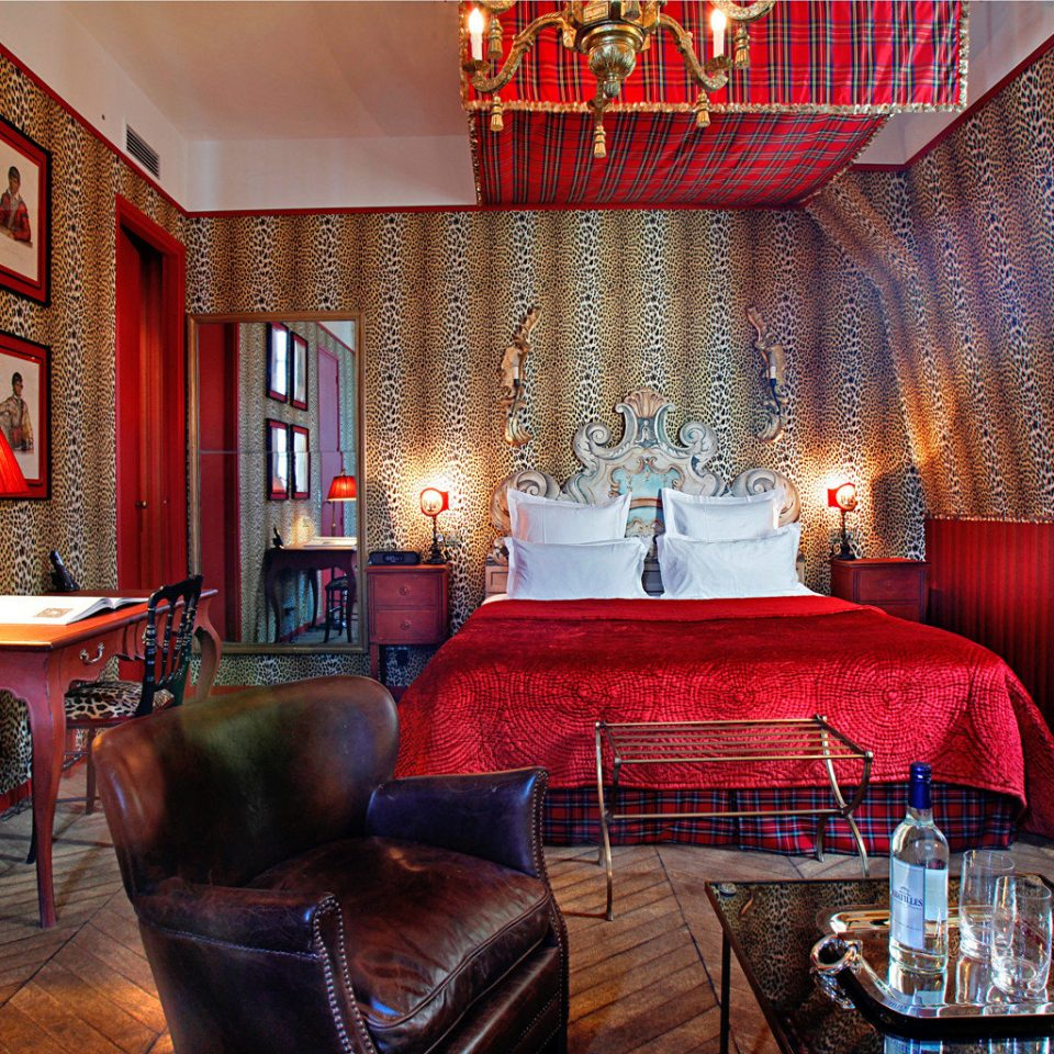 Bedroom City Romantic red chair property living room home Suite Lobby restaurant leather