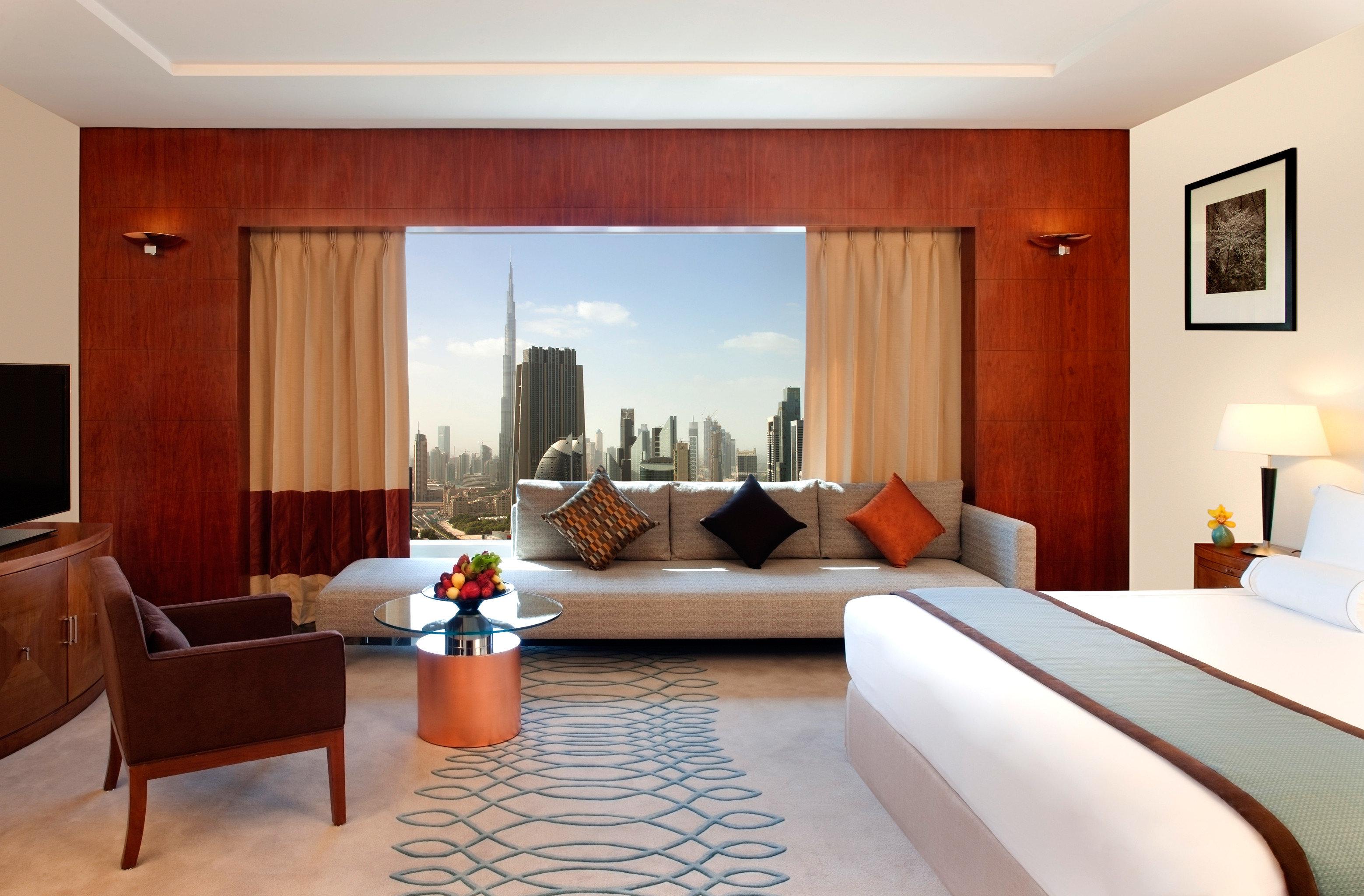 Bedroom City Lounge Scenic views Suite property living room nice condominium Villa cottage flat Resort Modern
