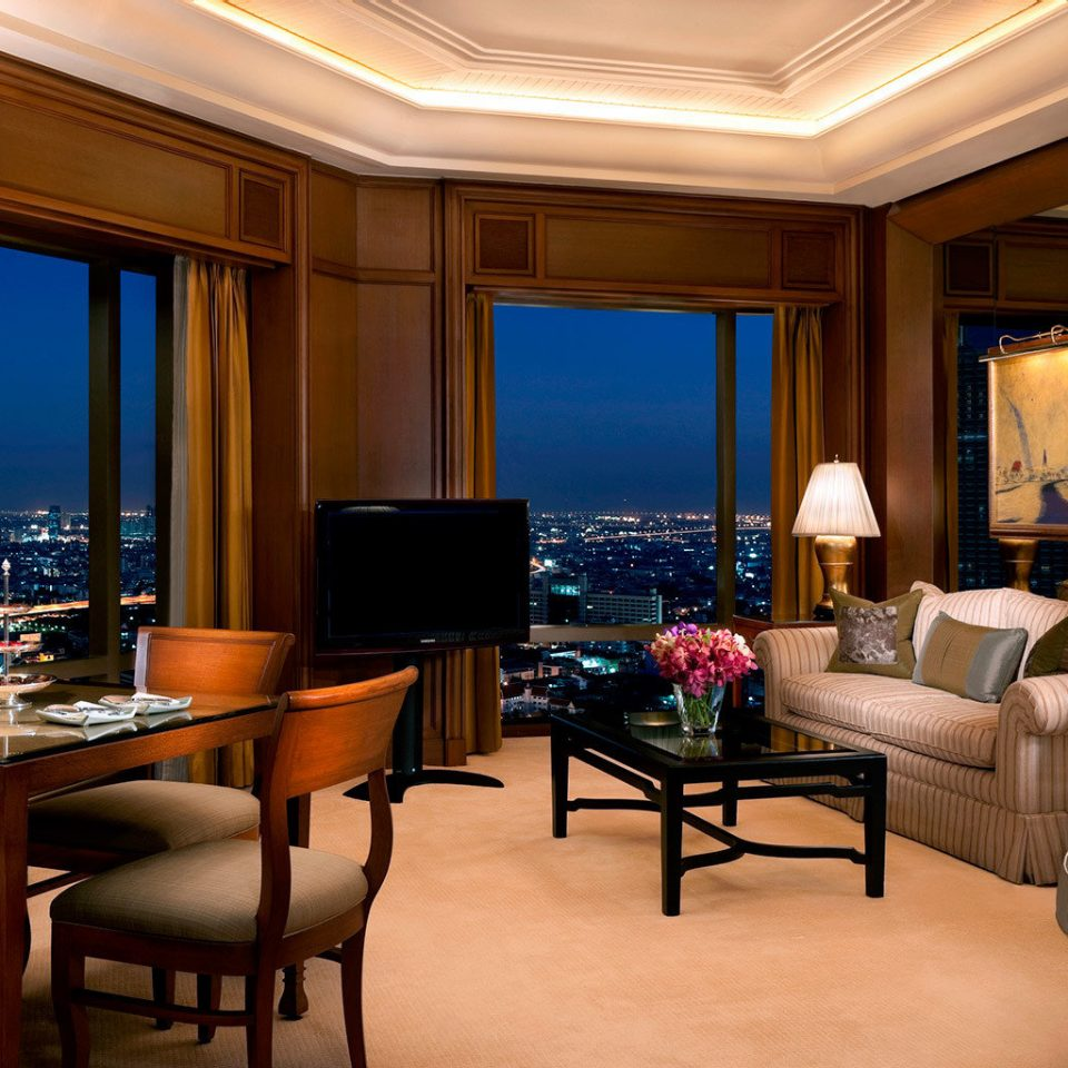 City Lounge Scenic views Suite chair property living room home condominium recreation room Bedroom dining table