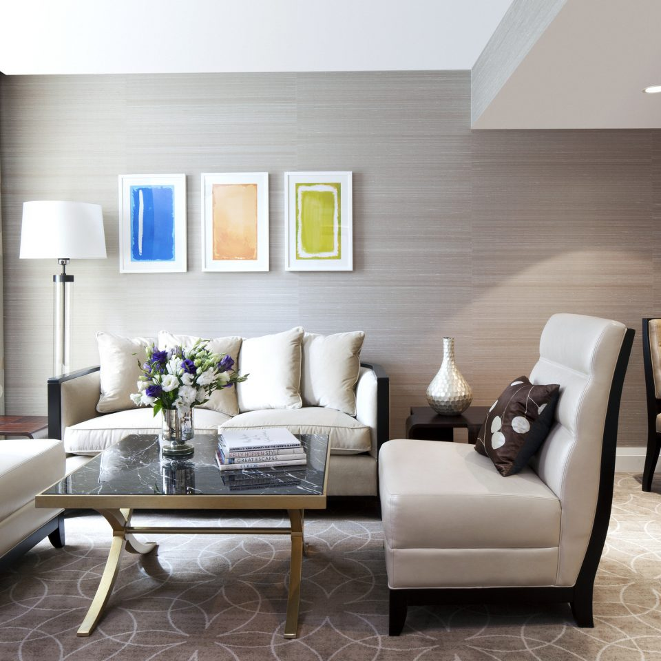 Bedroom City Lounge Suite sofa living room property home hardwood condominium
