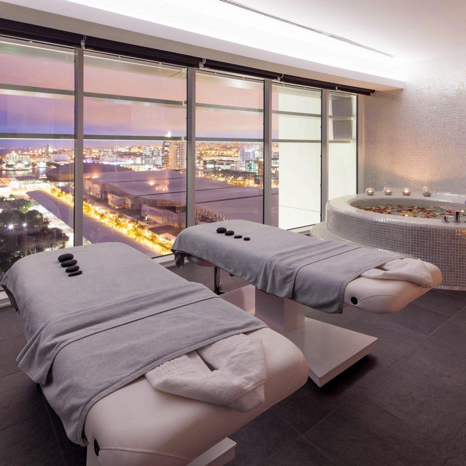 City Luxury Romantic Scenic views Spa property condominium living room Suite Bedroom