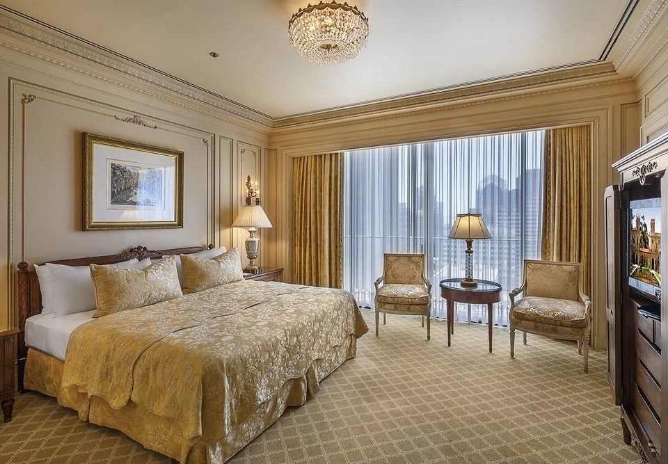 Bedroom City Luxury Scenic views Suite property cottage home living room Villa mansion farmhouse