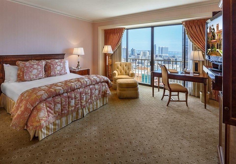 Bedroom City Luxury Scenic views Suite property home hardwood cottage living room Villa