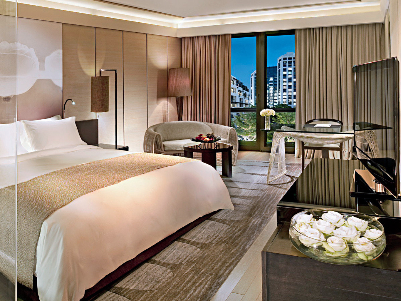 Bedroom City Modern Resort property Suite living room home bed sheet condominium
