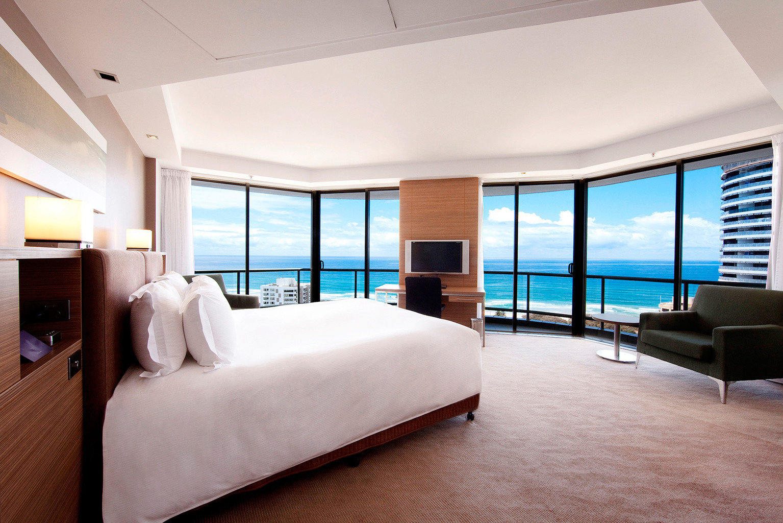 Bedroom City Scenic views property Suite condominium yacht Resort Villa living room Modern flat