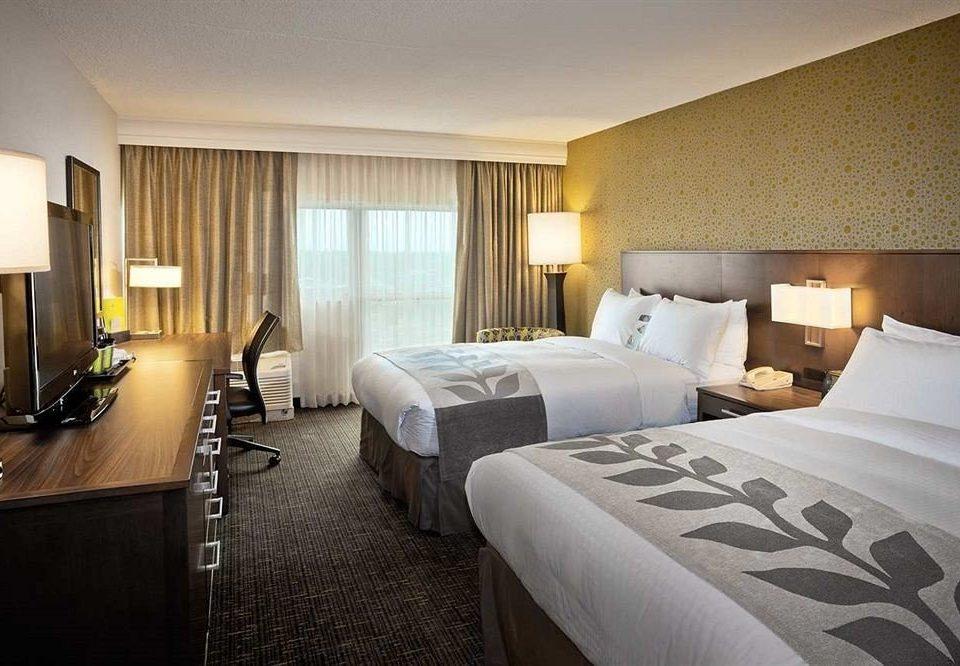 Bedroom City Modern sofa property Suite double condominium cottage Resort lamp