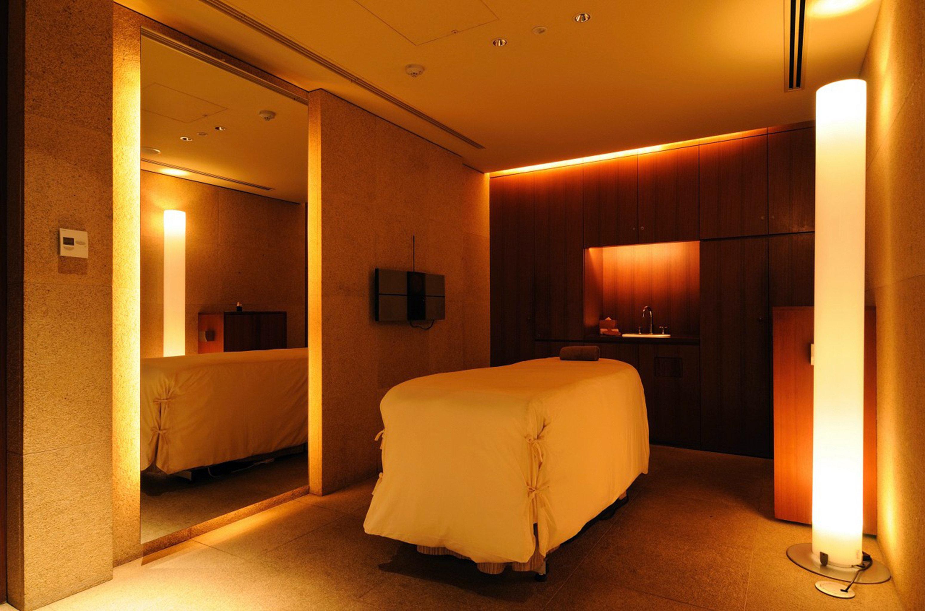 City Modern Spa Wellness property Suite Bedroom lighting orange lamp