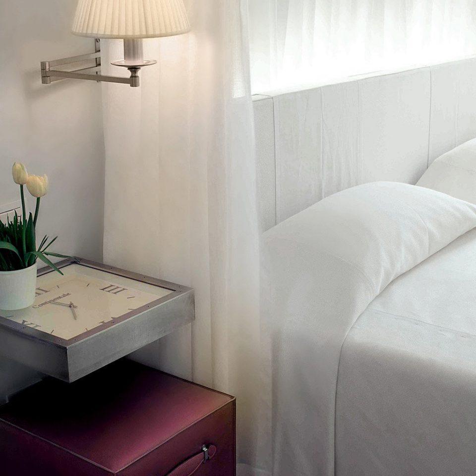 Bedroom City Modern property lighting Suite cottage