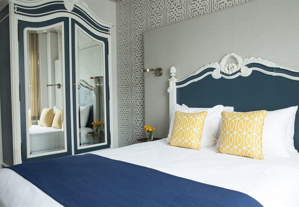 Bedroom City Modern scene Suite pillow bed sheet cottage
