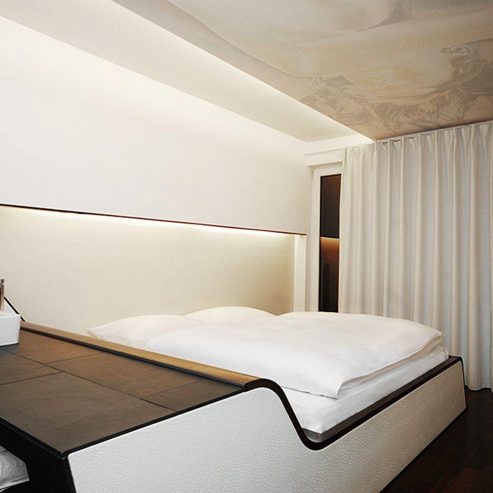 Bedroom City Modern property Suite