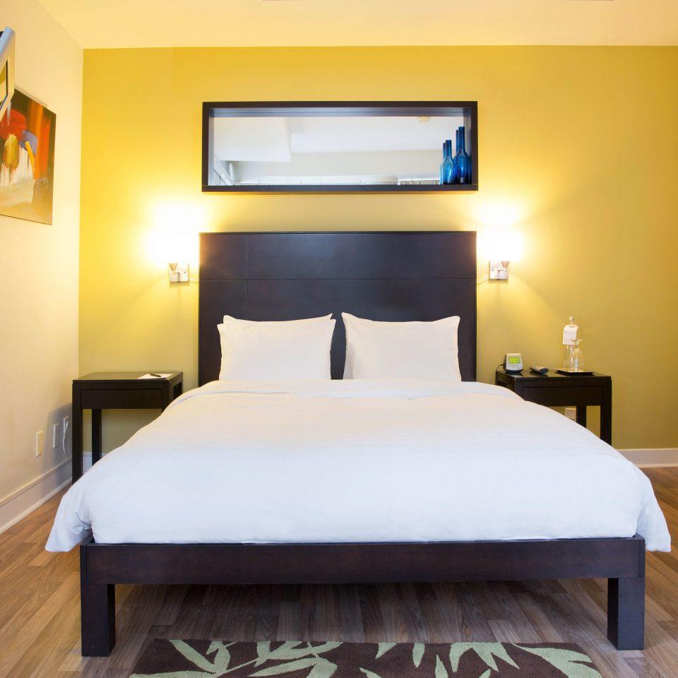 Bedroom City Modern property Suite cottage bed frame
