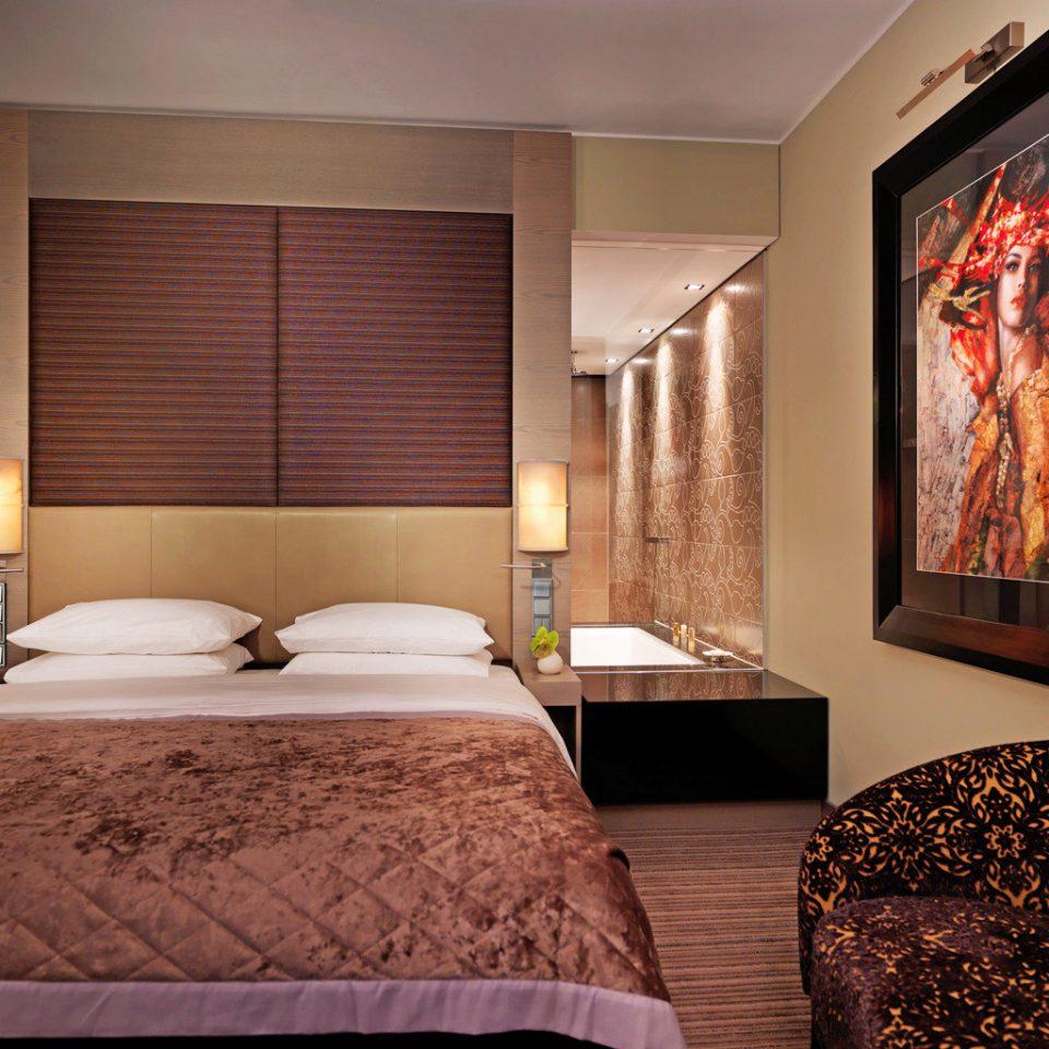 Bedroom City Modern Suite pillow bed sheet