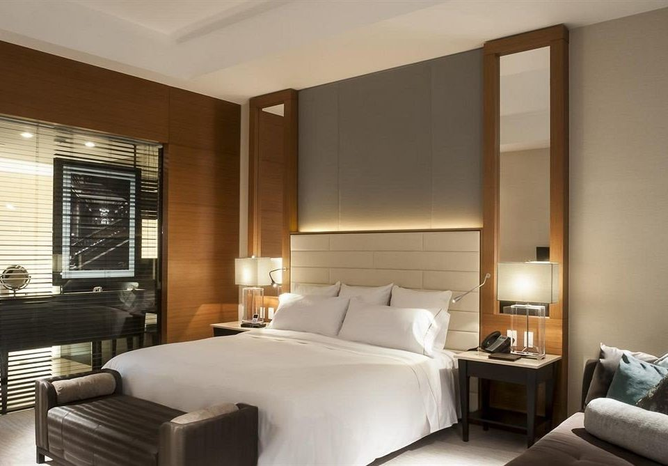Bedroom City property Suite condominium living room home Modern