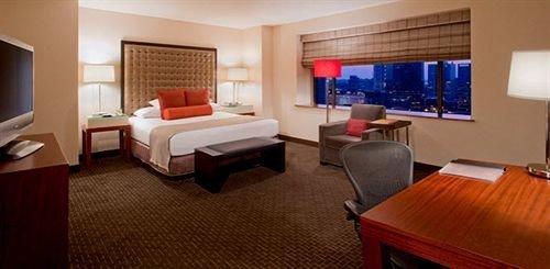 Bedroom City property Suite Resort cottage flat