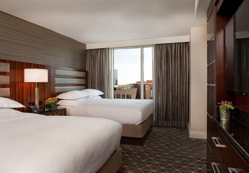 Bedroom City property Suite condominium Villa Resort cottage