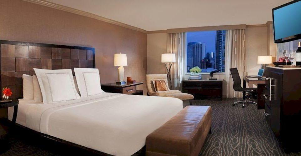 Bedroom City property Suite condominium living room Villa cottage Resort flat