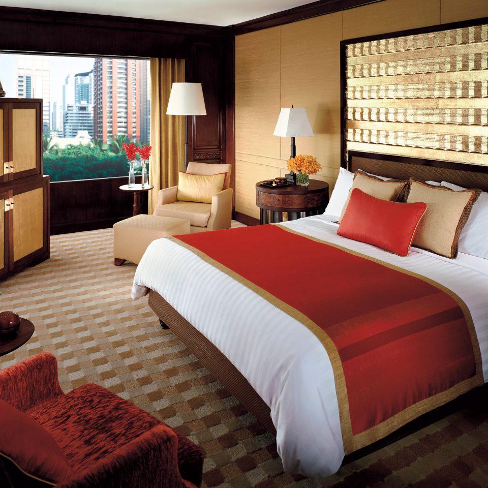 Bedroom City sofa property Suite cottage bed sheet