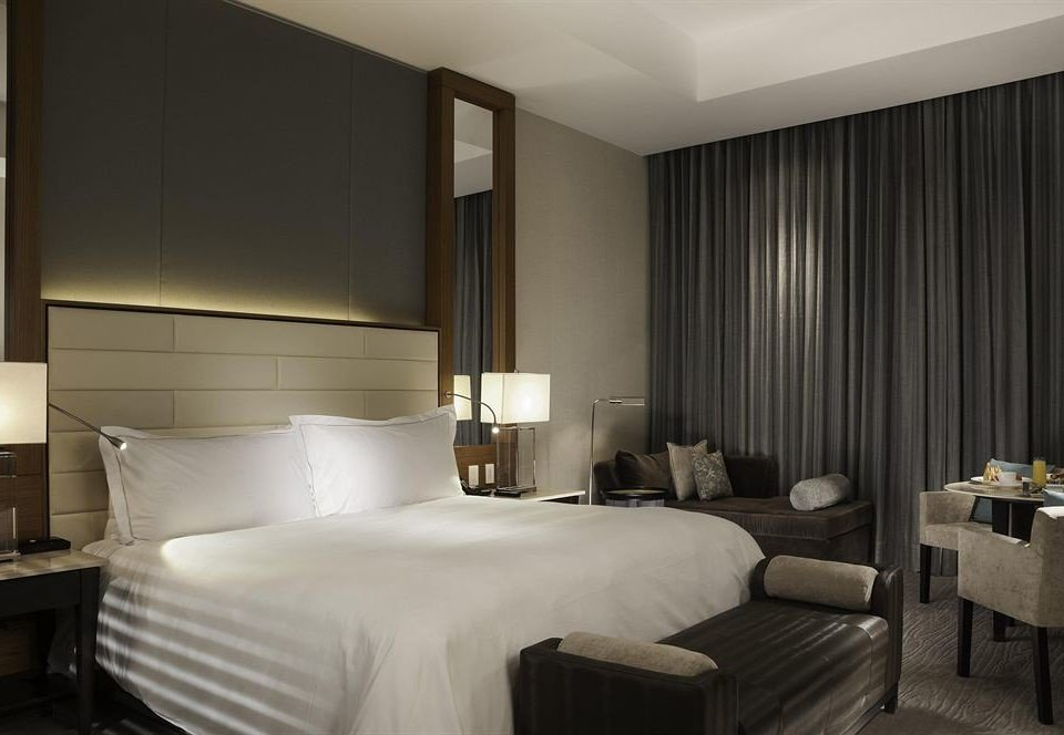 Bedroom City property Suite curtain condominium living room