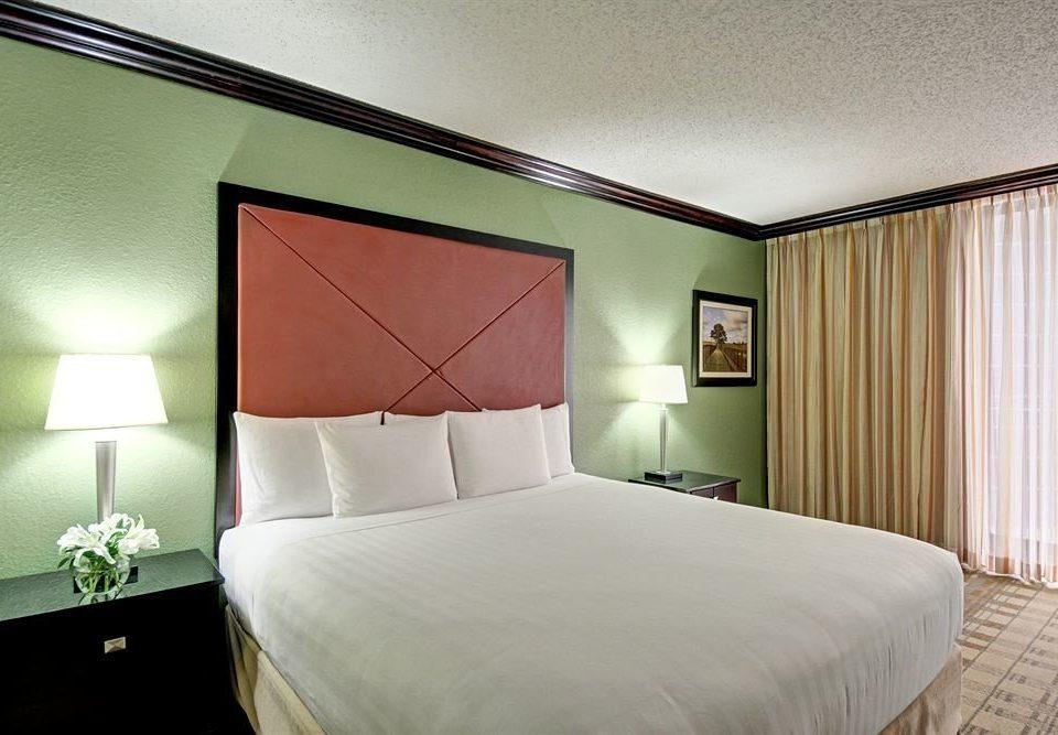 Bedroom City property scene Suite pillow lamp