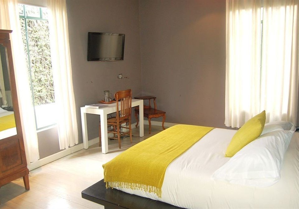 Bedroom City property building cottage Villa Suite