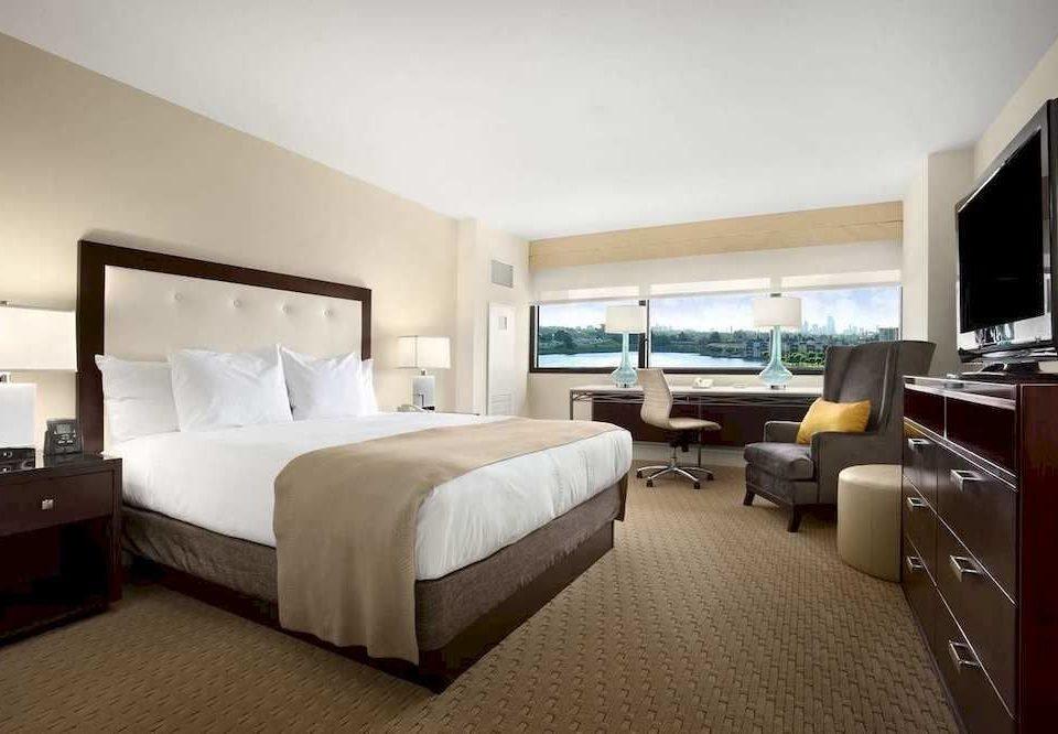 Bedroom City Waterfront property desk Suite cottage double condominium Villa living room