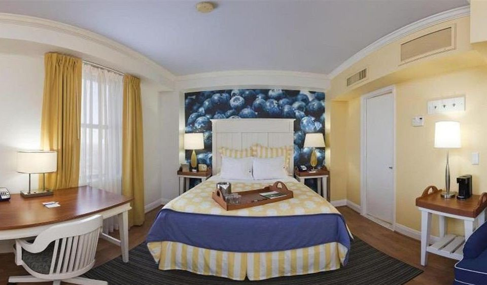Bedroom City property Suite cottage Villa mansion